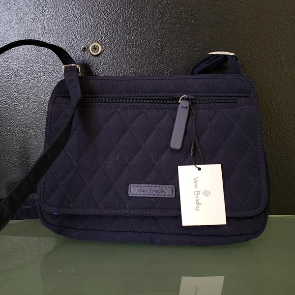 8e345d93c2 Picture - Vera Bradley handbag